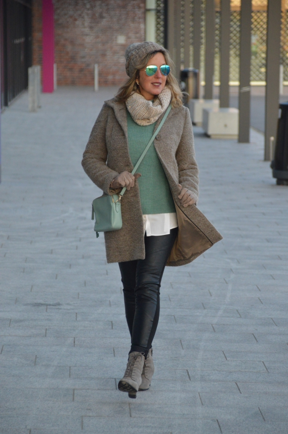 Ü40 Winterlook mit Lederleggings