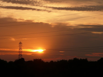 fire-sun-through-the-pylon-lumix-review-test-shot