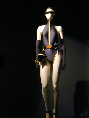 exposition Jean Paul Gaultier La Planète Mode de Jean Paul Gaultier de la Rue aux Etoiles