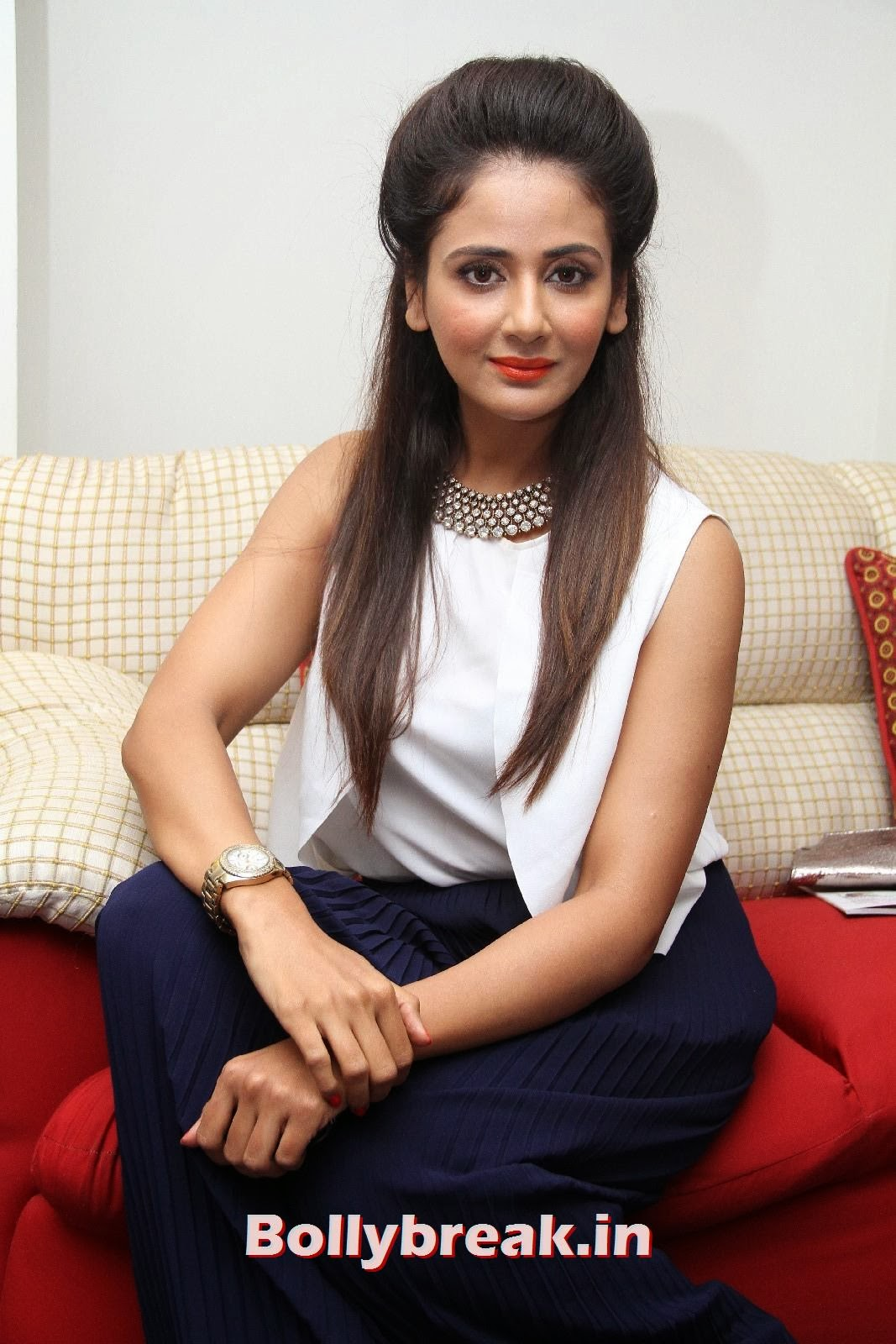 , Parul Yadav Pics from South Scope 2014 Calendar Launch