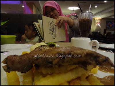 http://www.khairunnisahamdan.com/2012/11/spazzo-restaurant-cafe-katerina-hotel.html