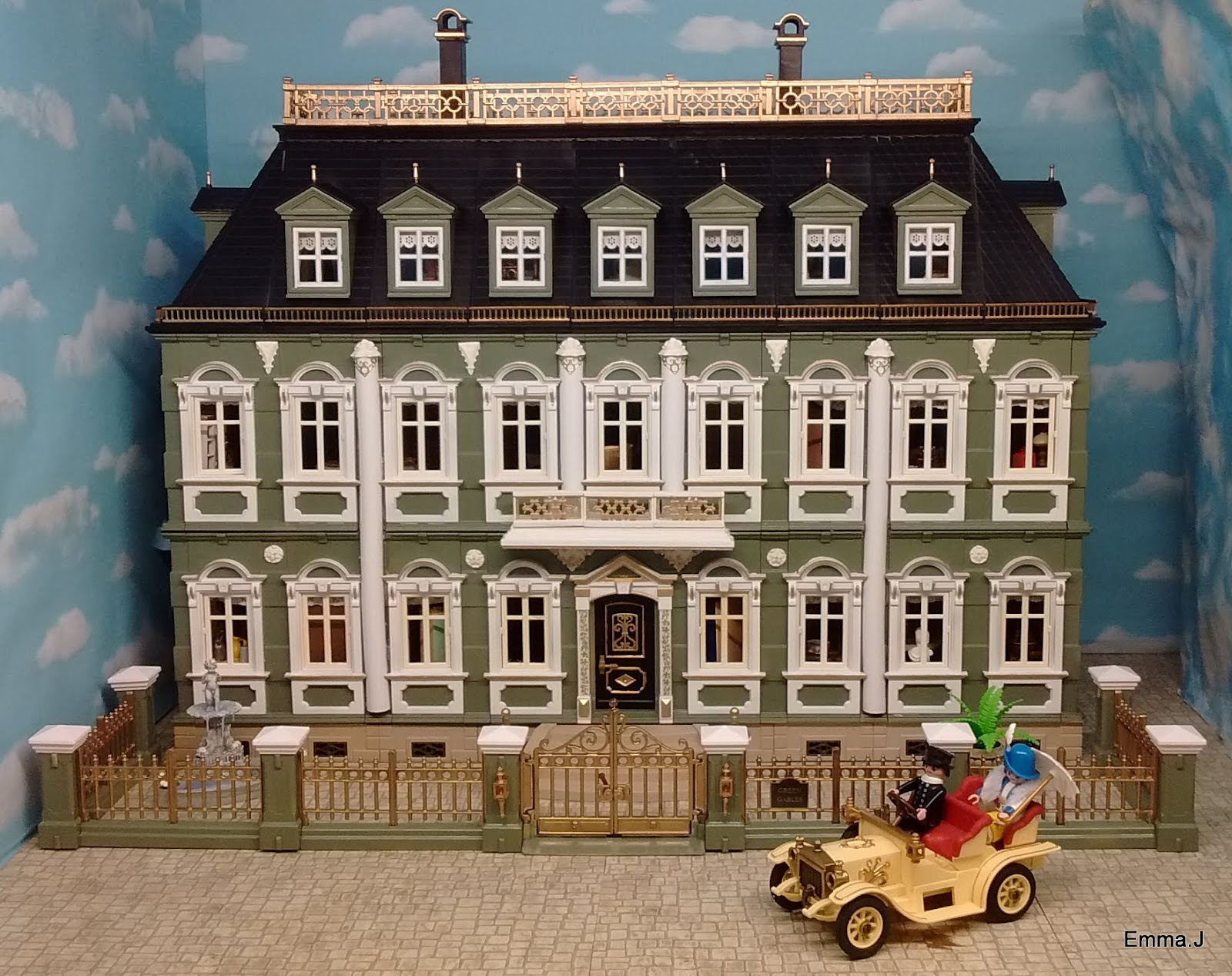 Green gables emma j 39 s playmobil for Custom built victorian homes