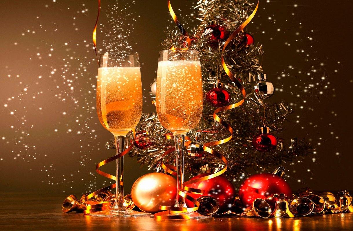 Violetas feliz a o nuevo 2017 cuenta regresiva for Decoracion 31 de diciembre