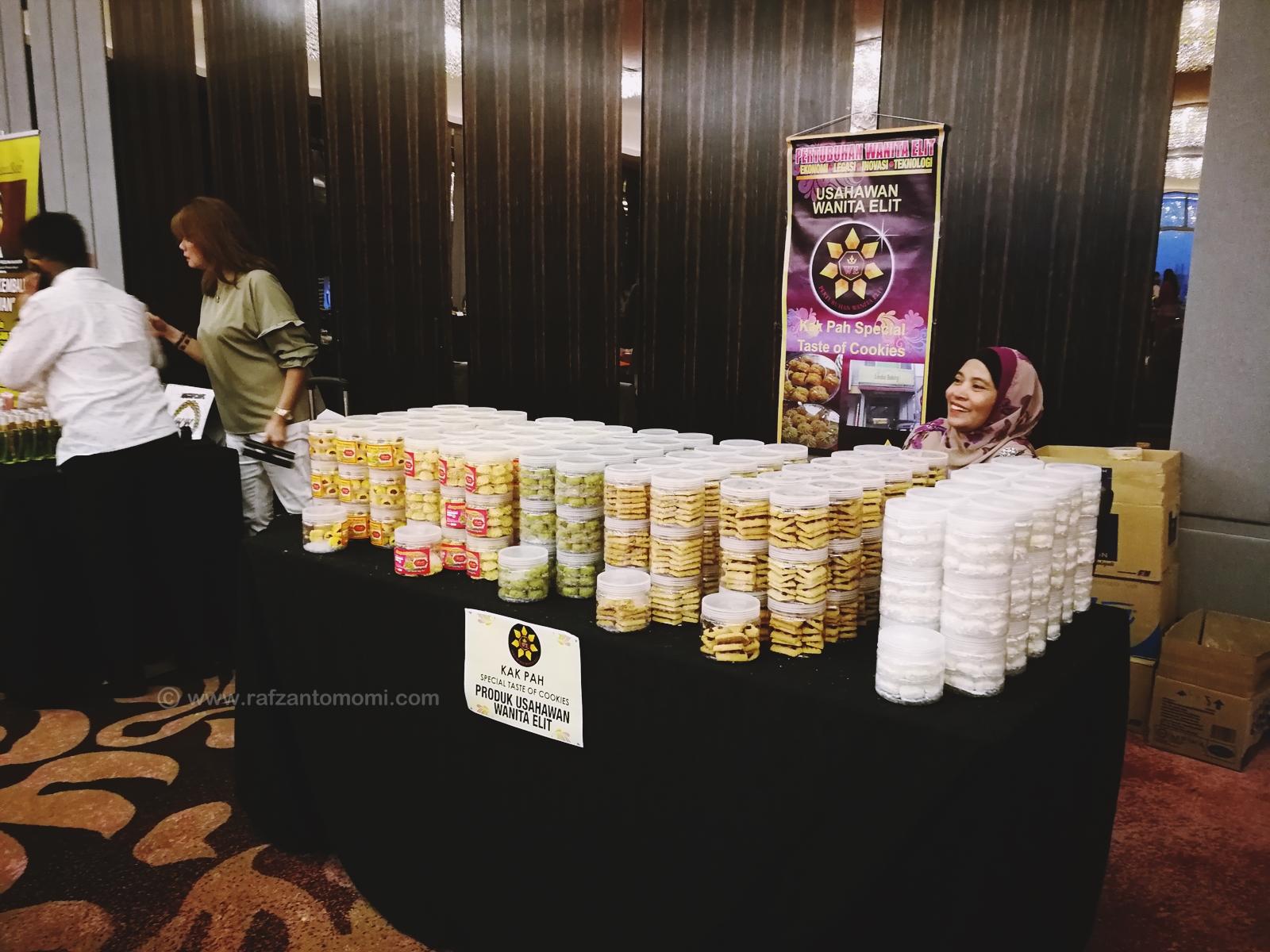 Majlis Makan Malam Amal Dan Penyampaian Sumbangan Oleh Pertubuhan Wanita Elit