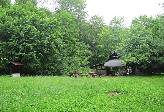 Studencka baza namiotowa w Wisłoczku.