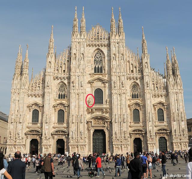 Milano, la statua della libertà sul duomo
