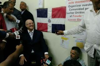 Hipólito Mejía pide cambiar a los miembros de la JCE; visita a candidatos en huelga