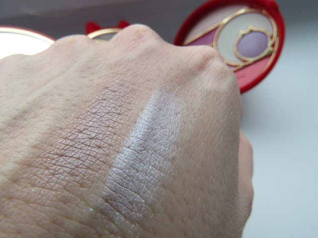 PUPACAT_4_eye_shadow_swatch