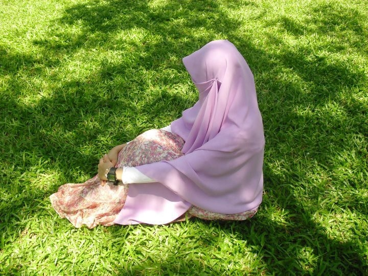 Contoh Soal Dan Contoh Pidato Lengkap Gambar Wanita Muslimah Cantik Berhijab Dari Belakang