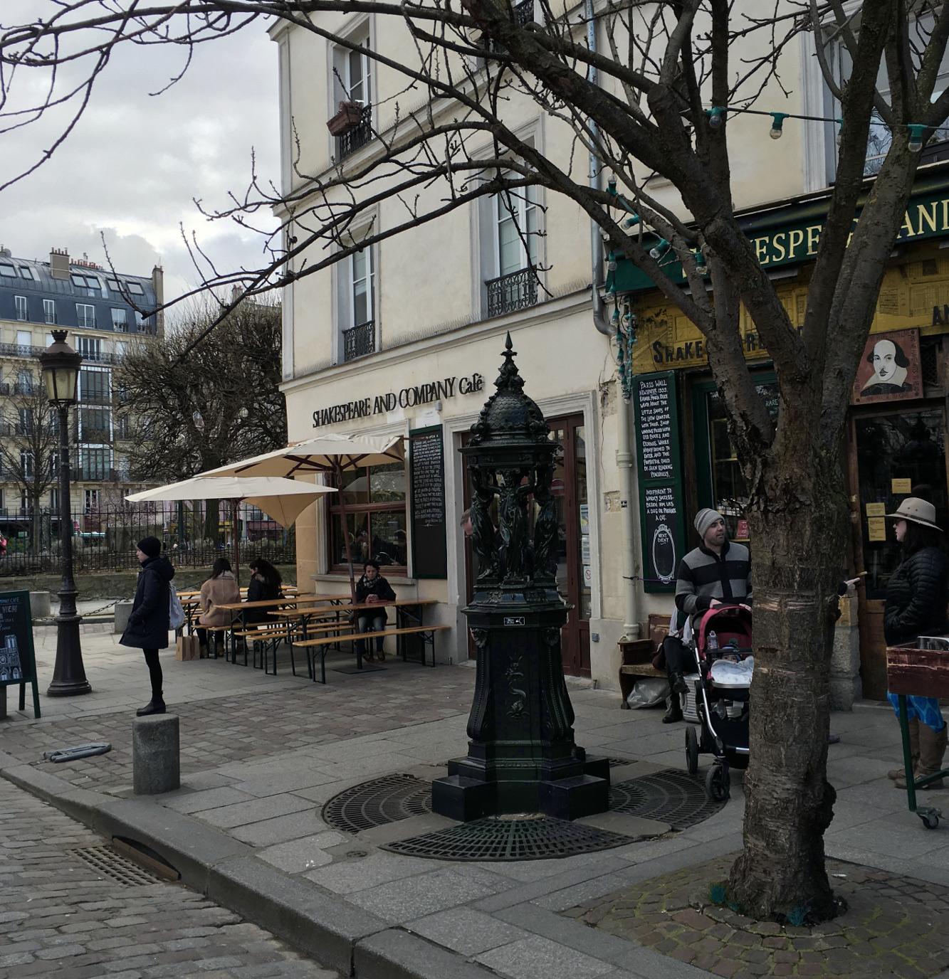 Paris shopping Shakespeare & Co