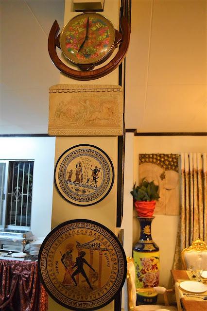 Casa Eros Muebles Greek plates