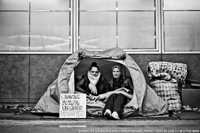 Ephéméride du 29 Décembre Les-pancartes-des-sdf-revisitees_863248_default_base_img