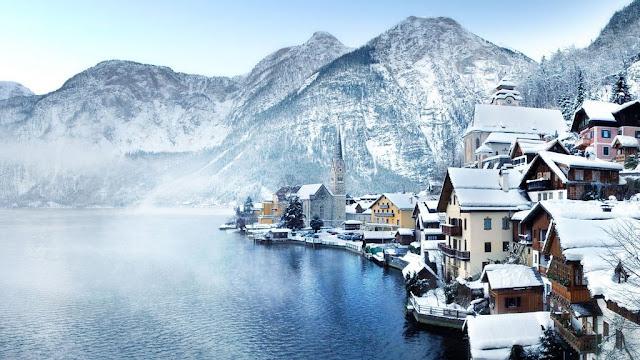 Cidade turística de Hallstatt na Áustria
