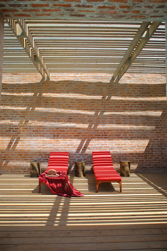 Safari Fusion blog | Klompie bricks | Outdoor guest space at Angama Mara, Masai Mara Kenya