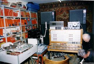 El Mixturtrautonium transistorizado presidiendo el estudio privado de Oskar Sala en Heerstrasse
