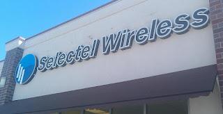 Selectel Wireless Logo on Store