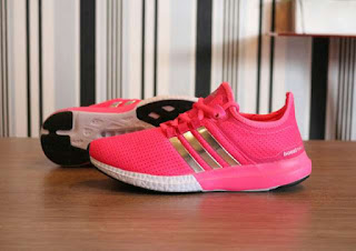 Sepatu Adidas Ultraboost
