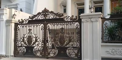 pagar klasik untuk rumah mewah