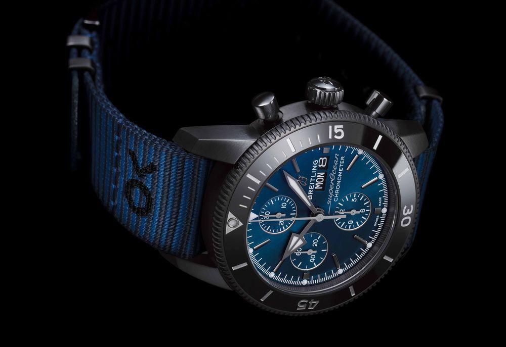 d4a4ab39e3d3 Replicas De Relojes Breitling Superocean Heritage II Cronógrafo 44 Especial  para el Día de Acción de