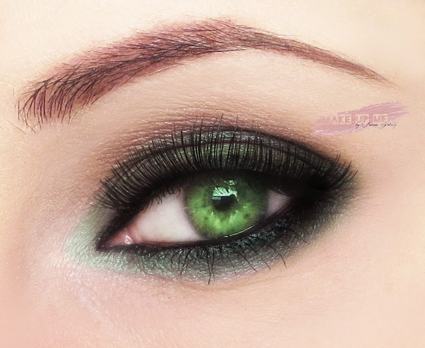 Jak dopasować cienie do koloru oczu?