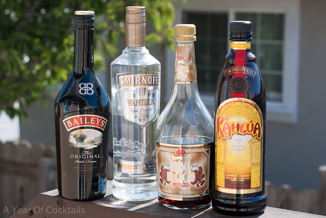 tiramisu, tiramisu martini, vodka, kahlua, baileys, cocktail, coffee liqueur, irish cream liqueur