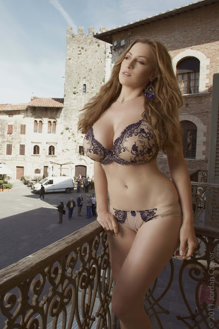 Jordan-Carver-PIAZZA-Photoshoot-hot-sexy-picture-3