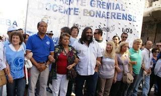 La Justicia suspendió las jubilaciones de oficio de 1500 docentes bonaerenses