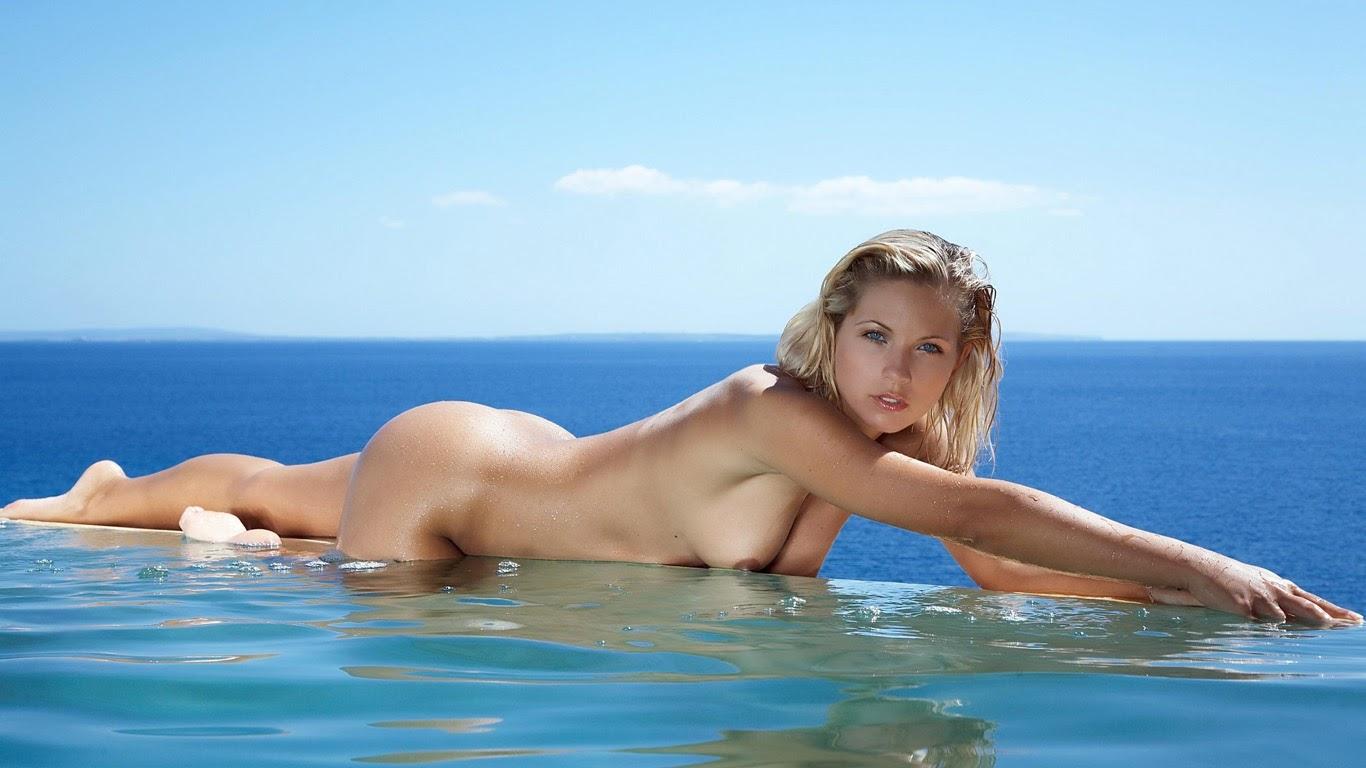 Смотреть голых девушек блондинок ipb