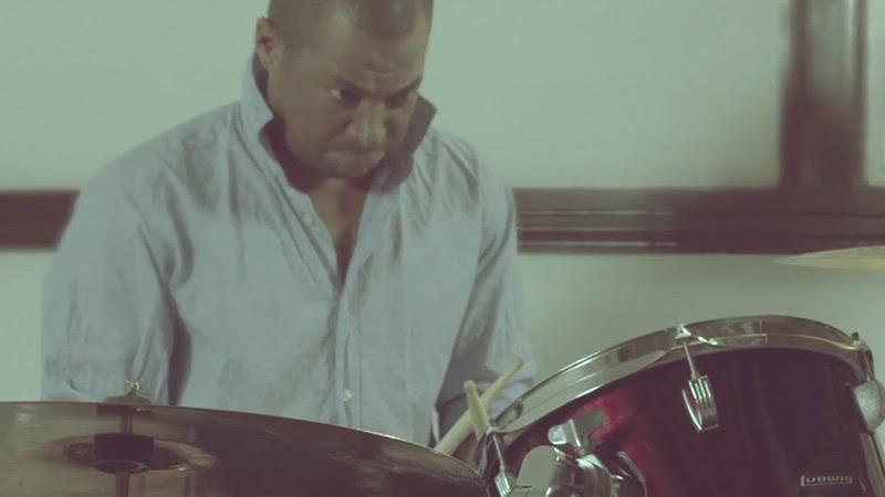 """Tesis de Menta - """"Caí del Cielo"""" - Videoclip - Dirección: Mauricio Abad. Portal Del Vídeo Clip Cubano - 07"""