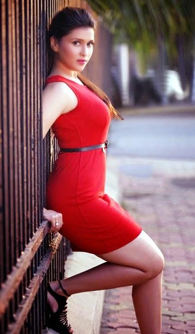 mannara chopra latest hot stills wardrobe malfunction ~ latest