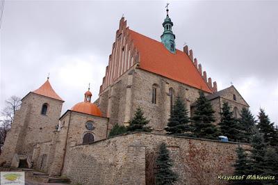 Gotycki kościół św. Zygmunta z XV w. w Szydłowcu