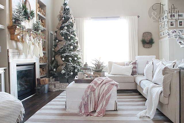 farmhouse christmas decor and decorating ideas neutral christmas decor living room christmas decor - Neutral Christmas Decor