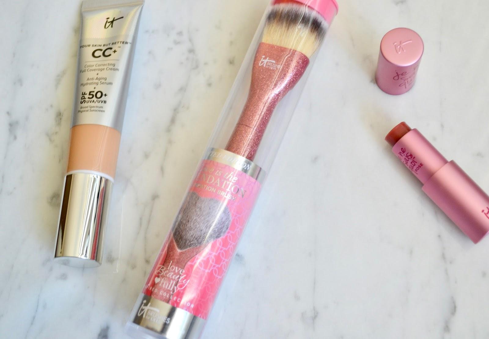 It Cosmetics x ULTA Love Beauty Fully All Over Powder Brush #211 by IT Cosmetics #6
