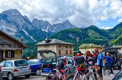 cycling dolomites italy carbon road bike bicycle rental shop cortina d'ampezzo