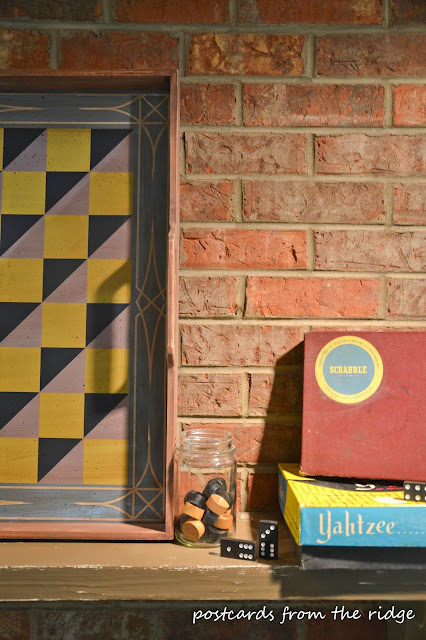 How to decorate with vintage games and gameboards