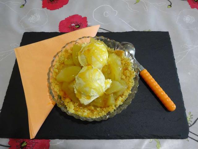 dessert coupe glace  vanille compote de pomme caramel