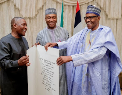 buhari5 - 9JA NEWS: #PMBAt75: Governors, Saraki, Dogara, Tinubu, Well-wishers surprise Buhari on his 75th Birthday