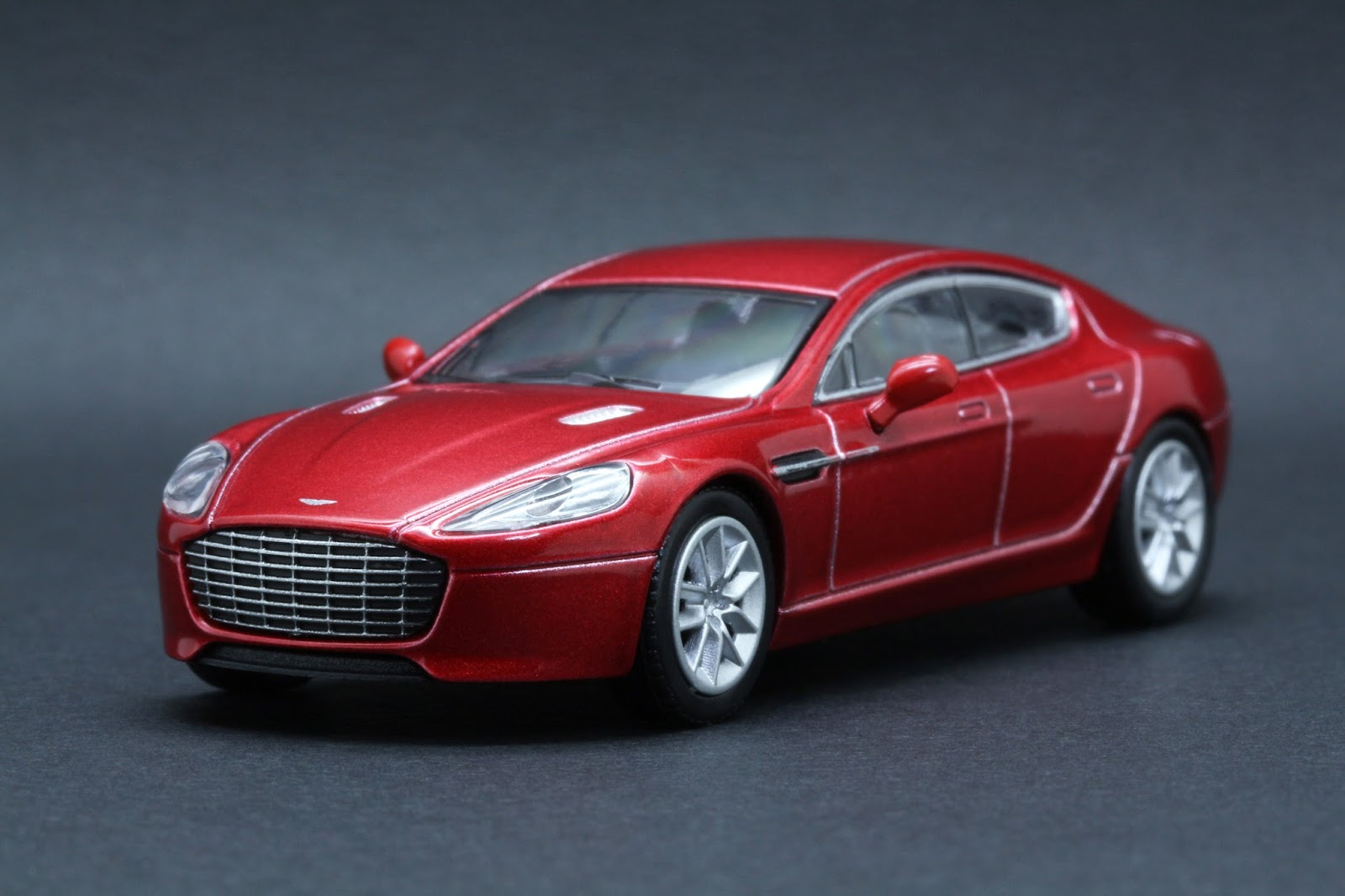 diecast hobbist aston martin rapide s. Black Bedroom Furniture Sets. Home Design Ideas
