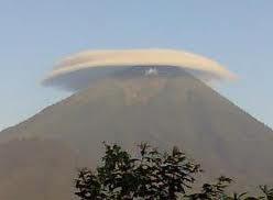 Gunung Agung Pusat Kekuatan Magis Pulau Bali