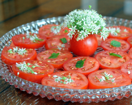 Summer Tomatoes with garlic chive flowers ♥ KitchenParade.com