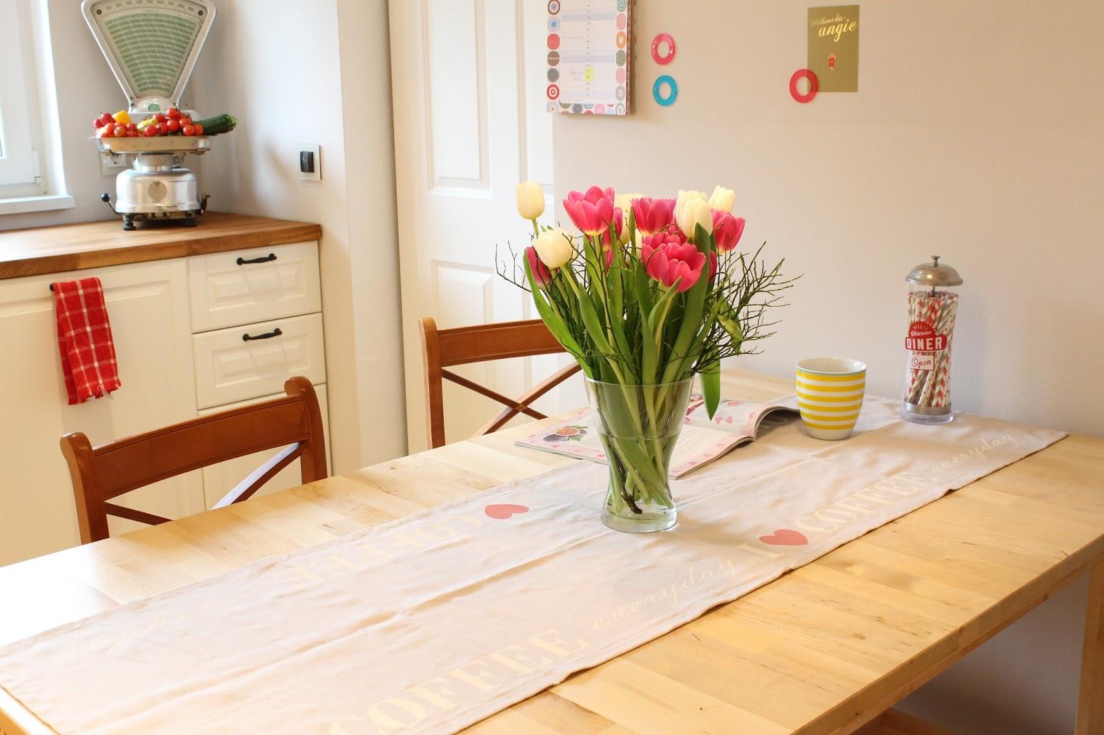 Der Küchentisch War übrigens Ein Stück Aus Der Fundgrube Bei Ikea. Männe  Wollte Immer Einen Tisch Den Man Seehhhrrrr Groß Ausziehen Kann, ...