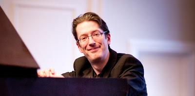 Llŷr Williams (Photo Ben Ealovega)