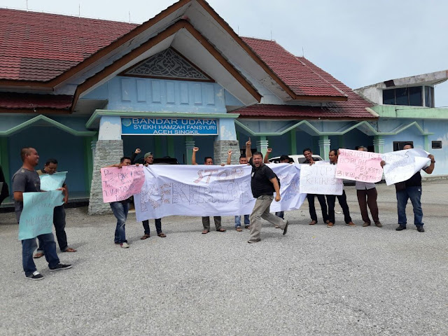 Oknum TNI Aniaya Wartawan, Puluhan Jurnalis di Aceh Singkil Gelar Aksi Solidaritas