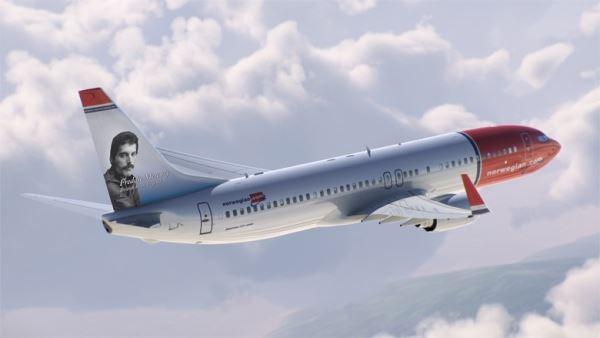 Η Norwegian βάζει το πορτραίτο του Freddie Mercury σε αεροσκάφη της