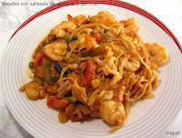 Noodles con salteado de verduras y gambas