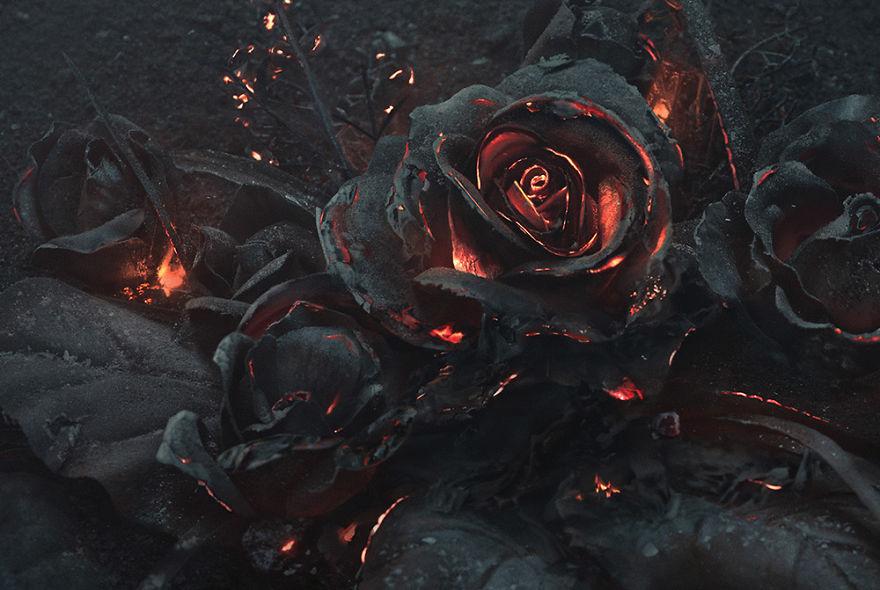 burning-roses-sculpure-the-ash-peter-jaworowski-2