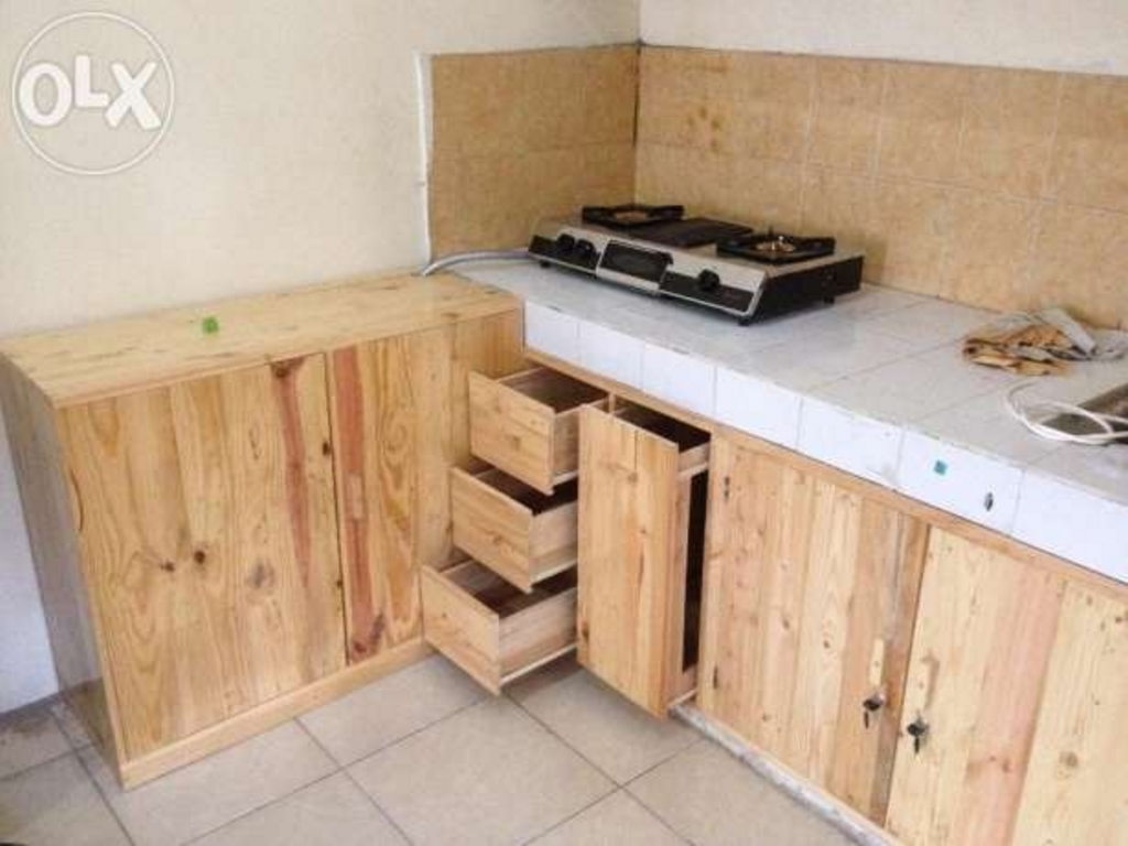 Desain kitchen set kayu jati belanda yang indah for Kitchen set kayu