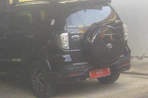 mobil dinas anggota dprd indramayu harus dikembalikan akhir agustus