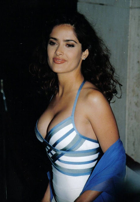 salma hayek cleavege photo gallery