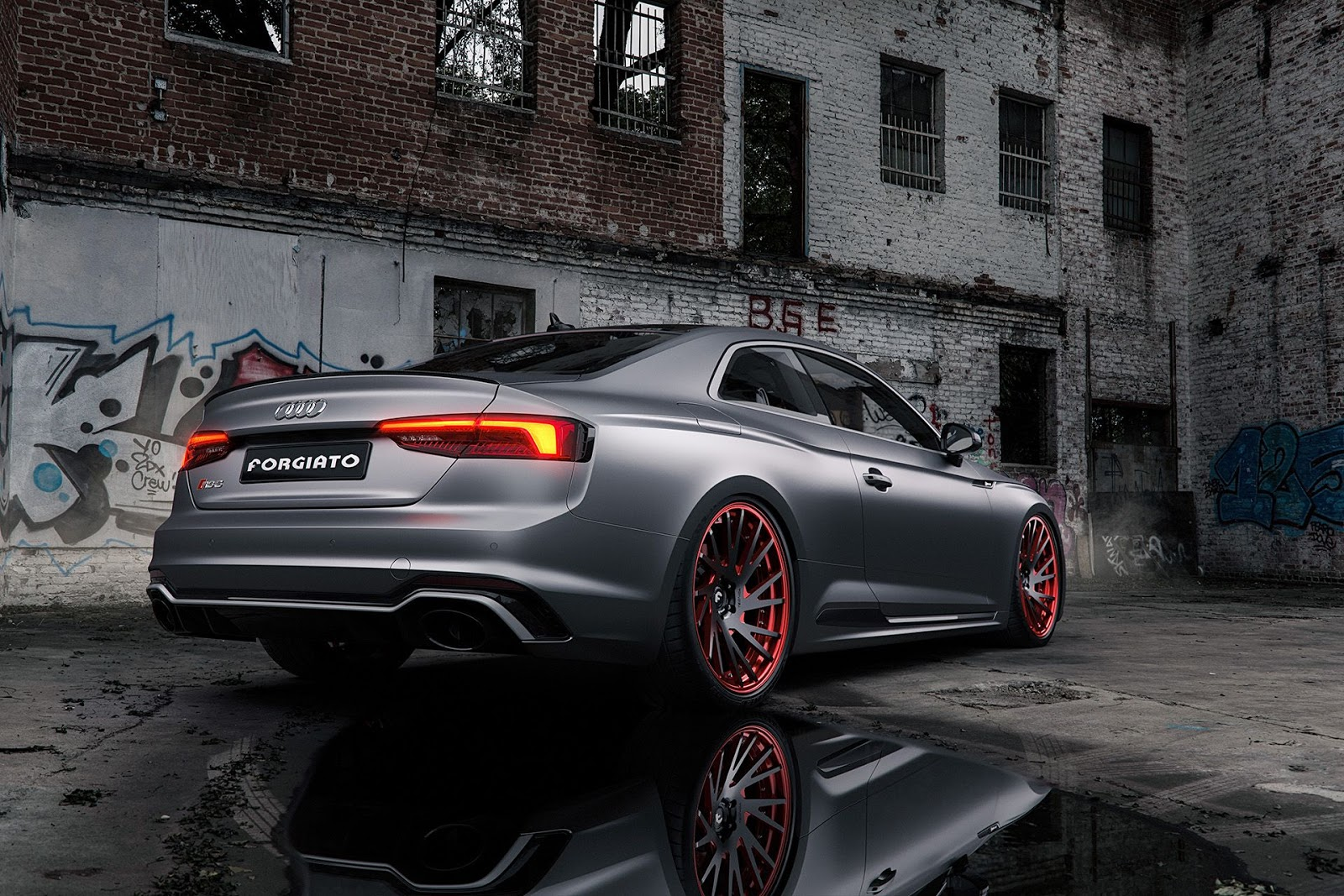 matte grey audi rs5 is a smooth criminal carscoops. Black Bedroom Furniture Sets. Home Design Ideas